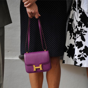 51fbbea8b72 Constance de Hermès. Nouveaux coloris du sac Constance. Carla ...