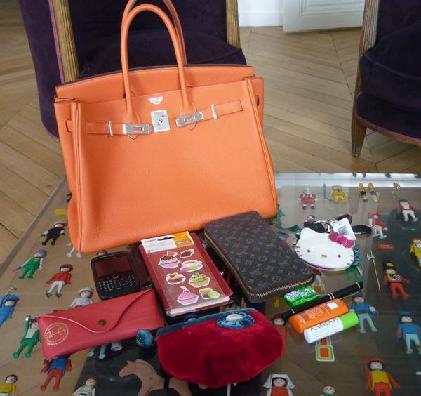 Stéphanie nous dévoile le contenu de son sac Birkin ! – Le mag de ... 1e0332301e7