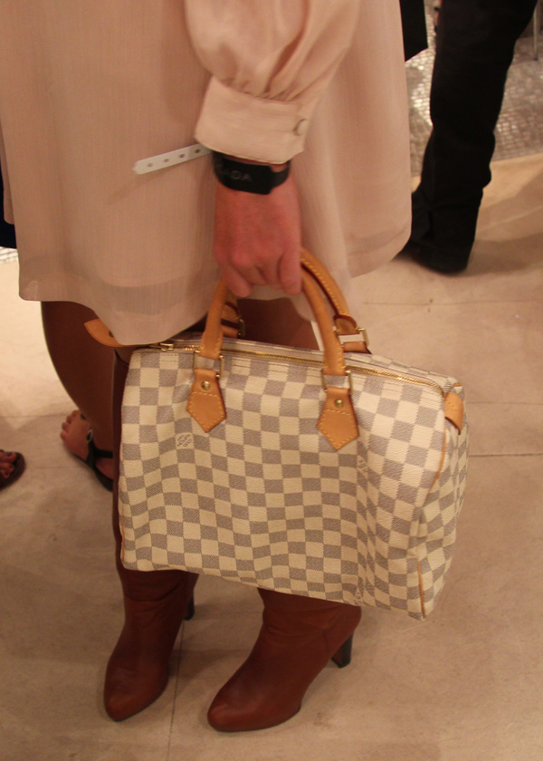 2bd4b54ba1d5 Sac Speedy Damier Louis Vuitton. vogue-fashion-night-matemonsac-speedy- vuitton-carre
