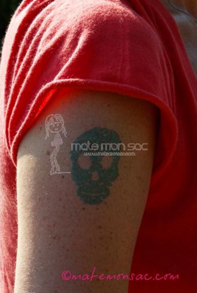 atelier-du-tattoo-tatouage-ephemere-tete-de-mort-noir