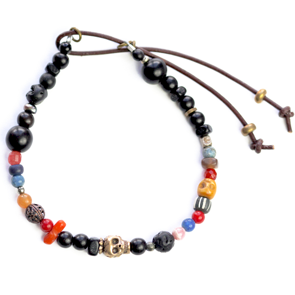 catherine-michiels-bracelet-stardust-ebene-perles-africaines-et-bob-bronze