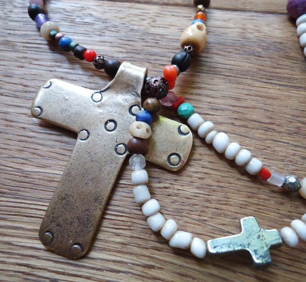 catherine-michiels-colliers-croix-argent-et-bronze