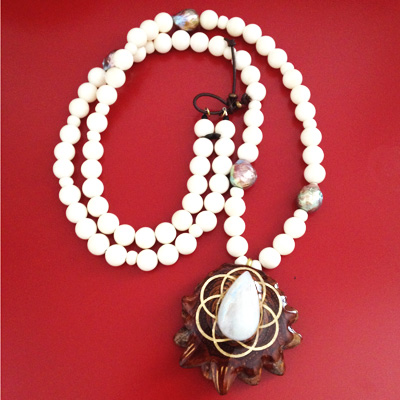 CM-collier-sacred-amulet