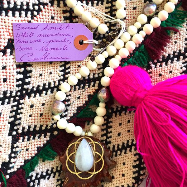 catherine-michiels-collier-amulet-kilim