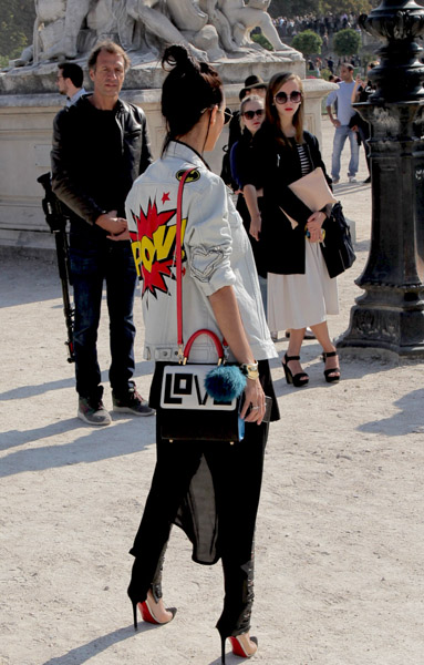 paris-fashion-week-street-style-21