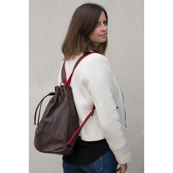 louise-et-gab-sac-convertible-seau-sac-a-dos-grand-chocolat-porte
