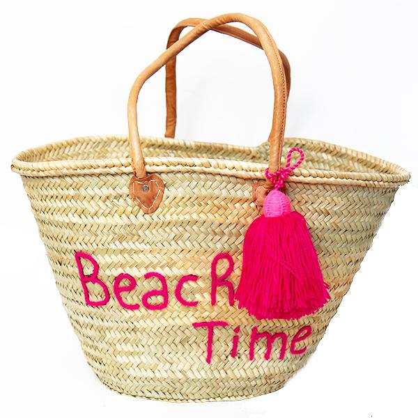 cabas de plage des paniers tress s pompons le mag de mate mon sac. Black Bedroom Furniture Sets. Home Design Ideas