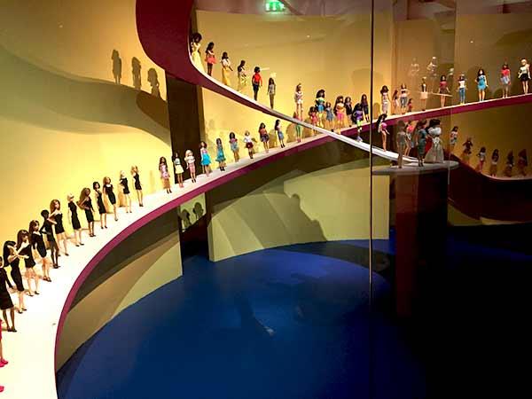 barbie-anniversaire-musee-arts-decoratifs