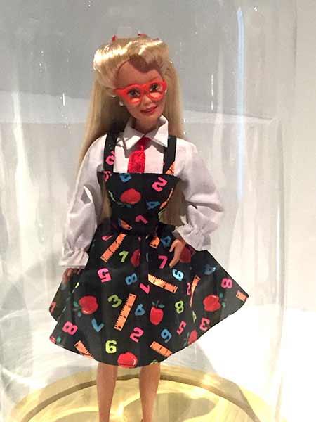 barbie-lunettes-musee-arts-decoratifs