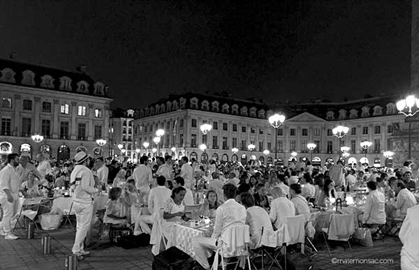 diner-en-blanc-place-vendome-paris-2016-31