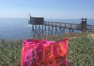 cabas de plage rose fluo transparent