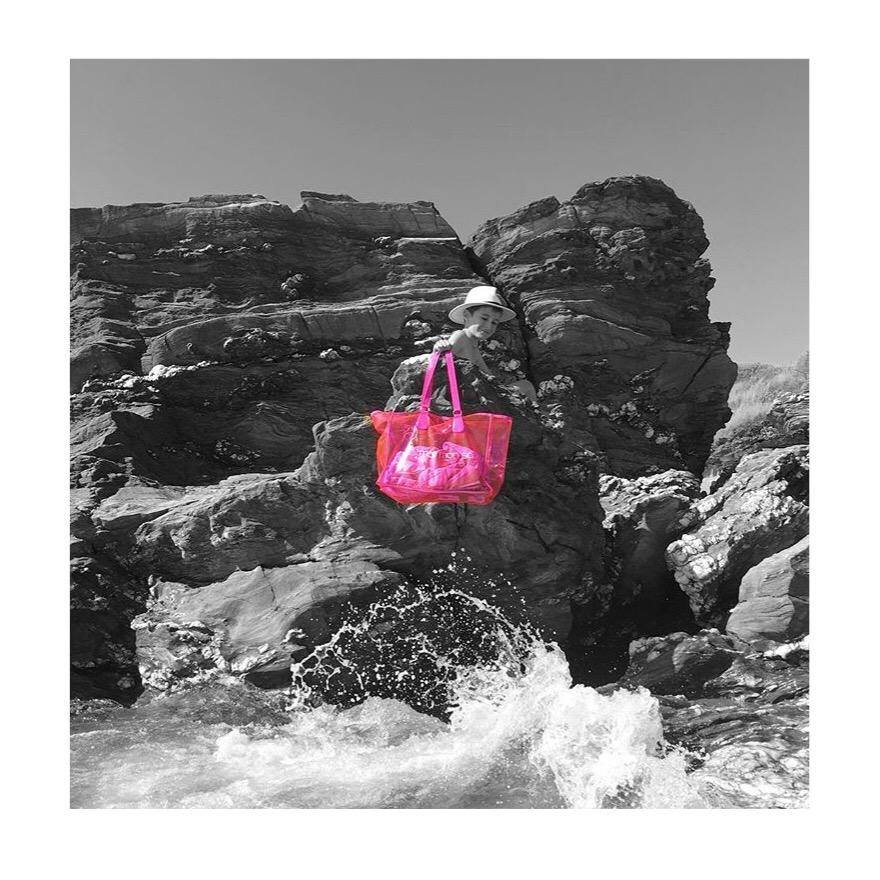cabas de plage transparent vinyle rose fluo mate mon sac