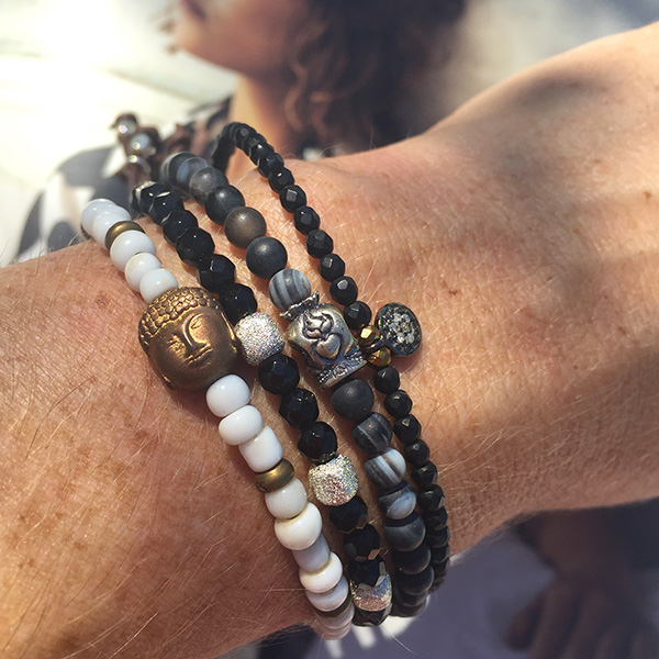 catherine-michiels-bracelet-stardust-bouddha-blanc