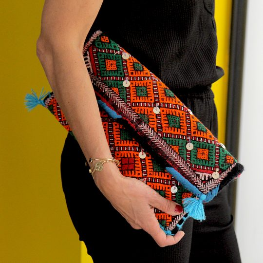 pochette-kilim-unique-orange-turquoise-mate-mon-sac