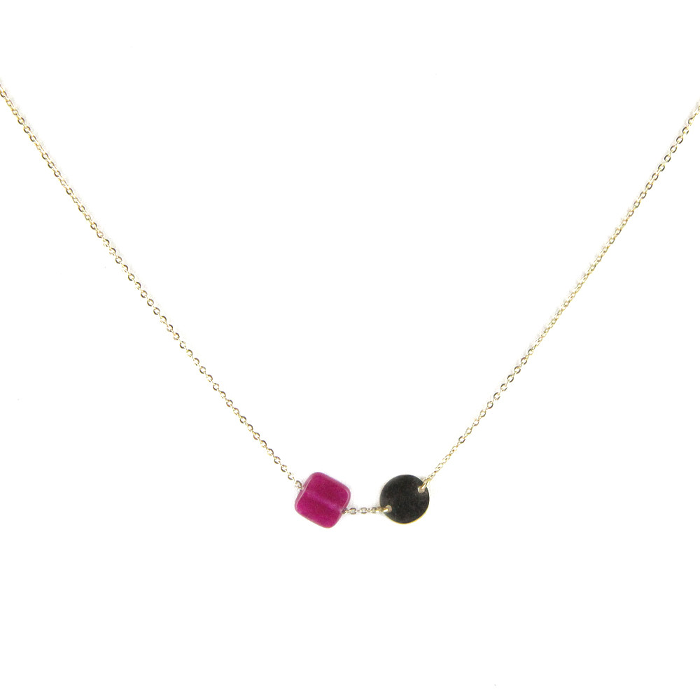 collier medaille or et pierre framboise