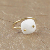 bague or quartz blanc